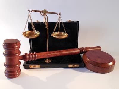 scales of justice and gavel for transcribe anywhere review